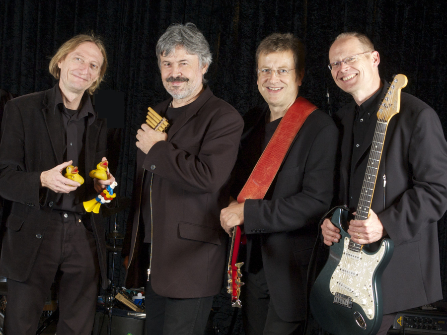PETERLESBOUM REVIVAL BAND